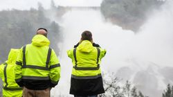 全米一高いダムの排水路が崩壊危機 19万人に避難勧告【UPDATE】