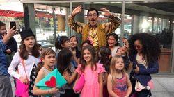 ピコ太郎、グラミー賞現地レポートで現地の子に囲まれ大人気を報告「可愛すぎる!」