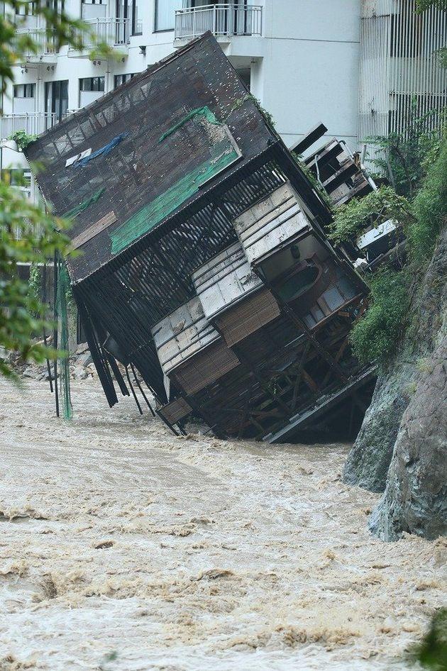 鬼怒川温泉、ホテルで露天風呂の施設が倒壊(画像)