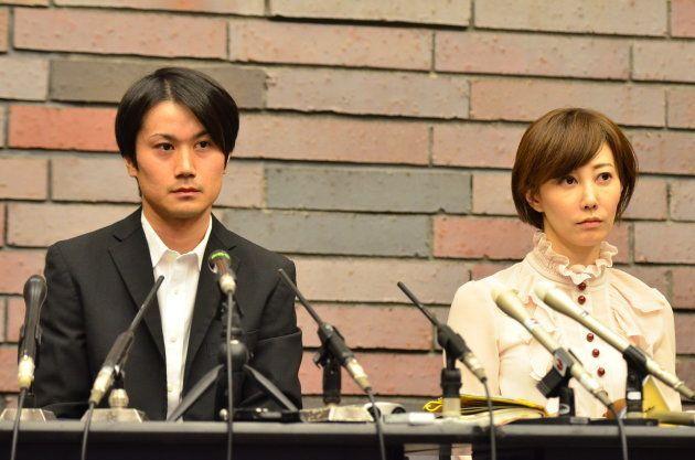会場からの質問を聴く増田被告と亀石弁護士