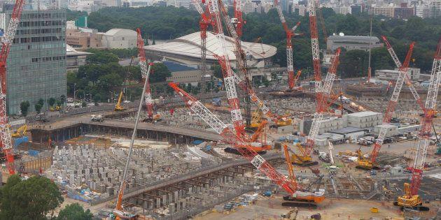 建設が進む新国立競技場=27日、東京都新宿区 撮影日:2017年07月27日