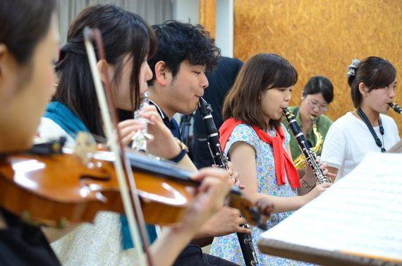音楽の喜びを世界の子どもたちへ 若きオーケストラの伝道師たちの挑戦に力を-
