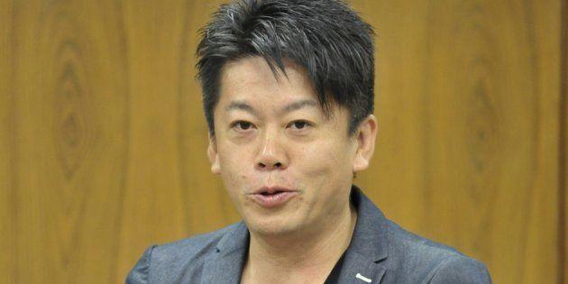 衆院法務委員会で、参考人として意見を陳述する元ライブドア社長の堀江貴文氏(2015年7月10日撮影)