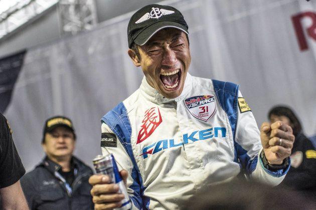 室屋義秀がレッドブル・エアレース年間総合優勝 日本人初のタイトル獲得
