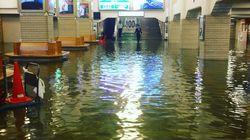台風21号で宇治山田駅が冠水 一夜を明かしたデザイナーが見たものは…