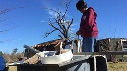 竜巻に巻き上げられた75歳女性、バスタブの中に避難して生きながらえる