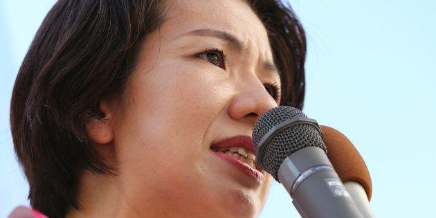 豊田真由子氏を書類送検「手は上げたが殴ったのではなく肩をたたいた」