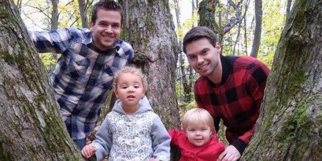 (左から)ネイサン、ブリン、エミリー、ジョン