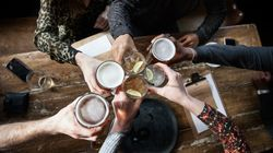 ウォッカは、ワインよりあなたを魅力的にする?お酒が感情に与える影響を調べたら……(研究結果)
