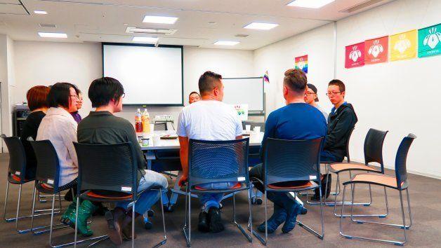 パートナーシップ証明書を取得した方と長谷部健渋谷区長との懇親会