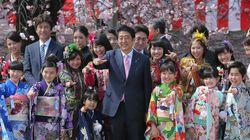 桜を見る会、今年の顔ぶれは?