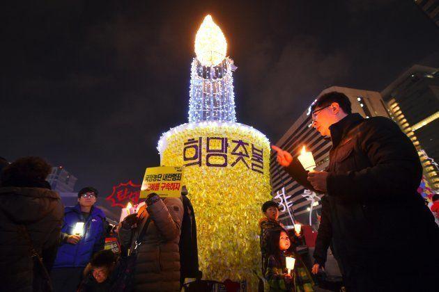 朴槿恵・前大統領の退陣を求めるデモ