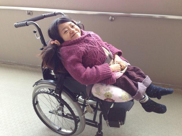 車椅子でも横になる姿勢ができるようになり、ラクラク。