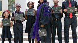 高校中退、ひとりで5人を育てた母 逆境乗り越えロースクールを卒業 全米で話題に