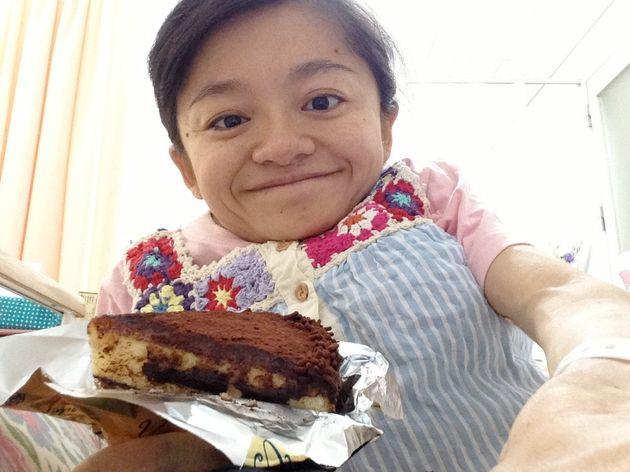妊娠29週で入院。沖縄から駆けつけてくれた両親に、沖縄にしかない大好きなケーキを買ってきてもらいました。