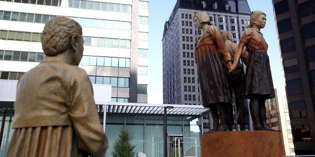 サンフランシスコ市のセントメリーズ公園に設置された慰安婦像