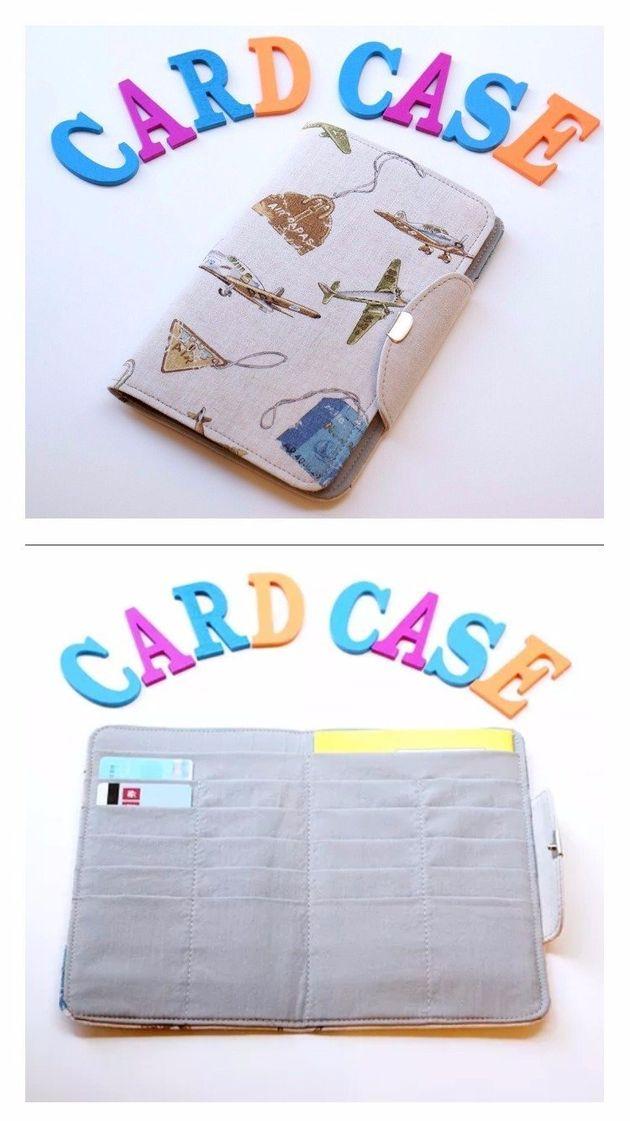 診察券カバー。カードや証明書がたくさん入る容量が特徴