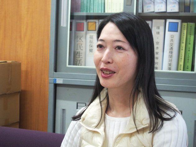世田谷区議会議員の上川あやさん。男性として生まれ、現在は女性として生活するMtFトランスジェンダーでもある。2003年に世田谷区議に無所属で初当選、現在は4期目。
