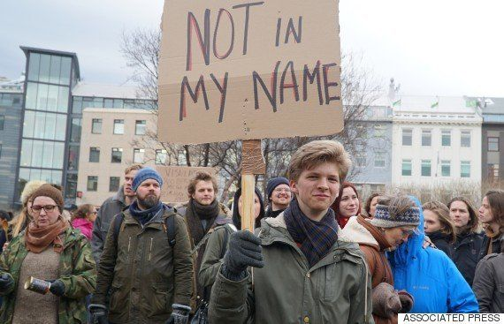 アイスランド首相が辞意を表明