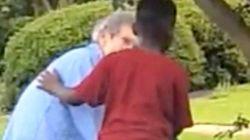「おばあちゃんを助けたい」8歳の男の子は車を降りた。その一部始終が撮影されていた