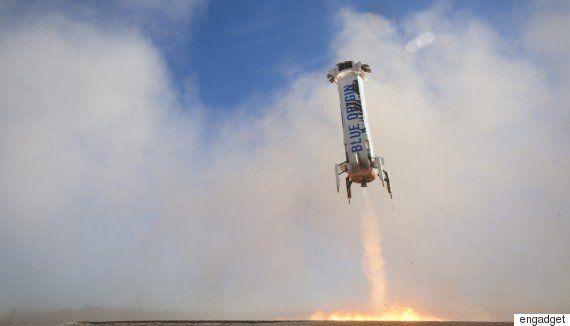 アマゾンCEOベゾスが率いるブルーオリジン、再利用型ロケットで3度目の垂直着陸に成功(動画)