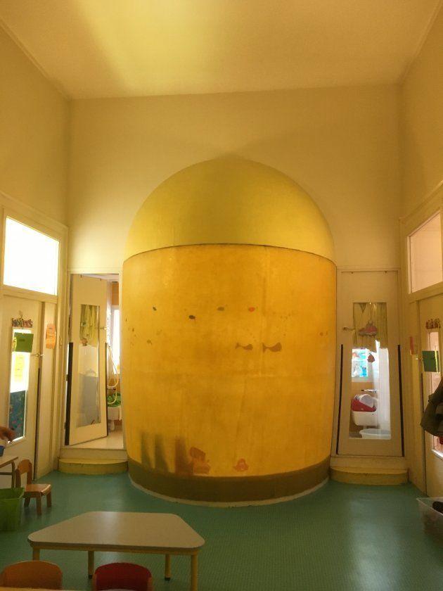長組クラスの一角にあるドーム型のスペース。内部が温度管理された水遊び部屋になっている。