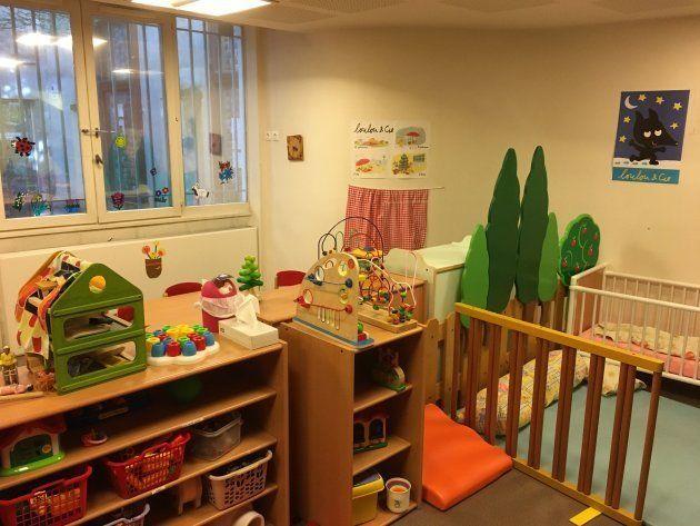保育ママが集う、家庭的保育園の保育室。各児童の滞在時間は週2回・2~3時間と短いが、団体保育園に準ずる環境が整備されている。
