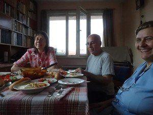 【世界の台所から】夏にぴったり!ブルガリアの真っ白スープの正体は?