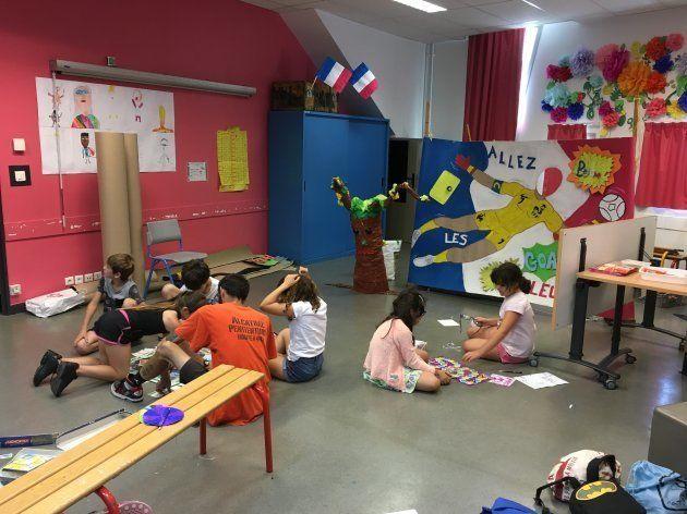 学童保育室。雨の日は学校の授業で使われることも。学校教員(国家公務員)と学童スタッフ(自治体職員)は互いに専門性を尊重しあう。