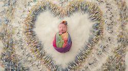 1616本の注射器と虹色の赤ちゃん。不妊治療の喜び、苦しみを伝える写真に反響