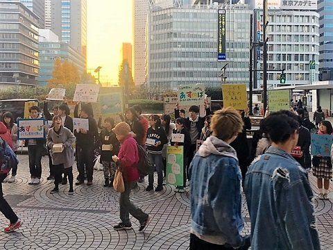 教育無償化が閣議決定。180人と通行人が耳を傾けた、子どもたちの率直な想いとは