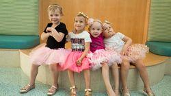 小児がんを生き延びた、4人の女の子たちが再会。2枚の写真が伝える友情