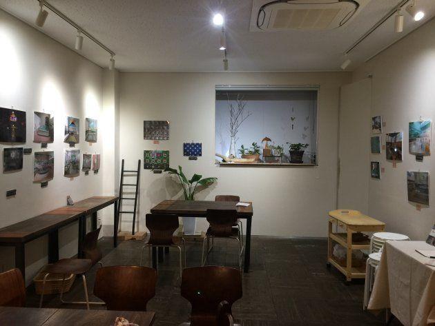 ステファニーさんが日本中を周り撮影した銭湯の写真が、当イベントの会場に併設されたギャラリーに展示された。*撮影:徳橋功
