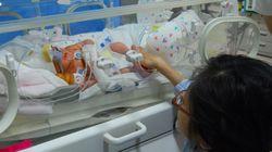 身長100cmの私が出産、NICUで赤ちゃんに初授乳しました。