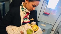 飛行機の中で空腹の赤ちゃん号泣 →