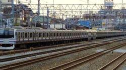 30両編成の列車がJR横須賀線を走行 その理由とは【動画】