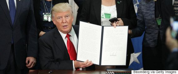 メキシコ大統領、トランプ氏との会談中止 国境の壁建設の大統領令めぐり対立激化