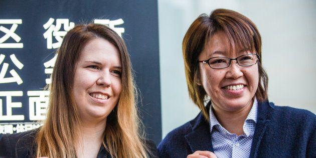 クリスティナ・バウマンさん(左)と中島愛さん