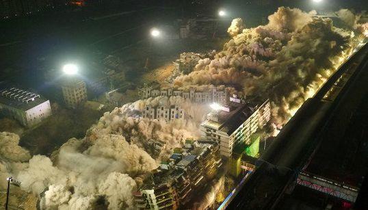 19棟の団地を10秒で解体 中国・武漢市の壮観な爆破現場