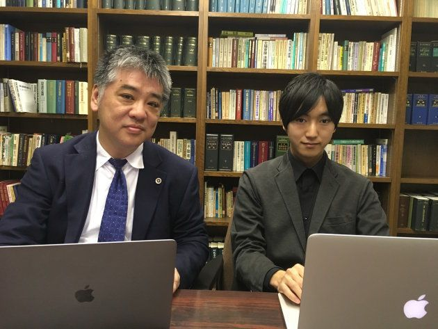 森さん(右)と小倉弁護士