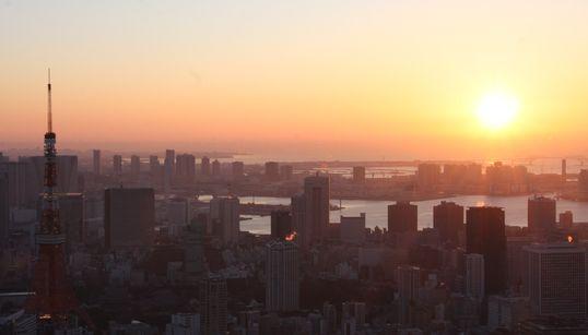 六本木ヒルズの屋上から見た「初日の出」が美しすぎて感動した(動画・写真)