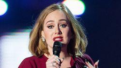アデル、観客とベルギーのために歌う「私の愛を伝えたい」(動画・画像)
