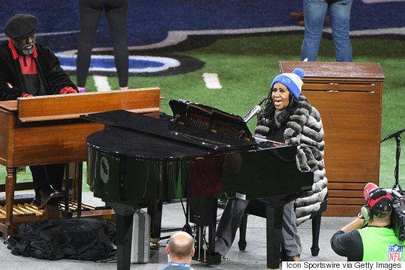 アレサ・フランクリン、アメリカ国歌をソウルフルに歌い上げる。でも...(動画)