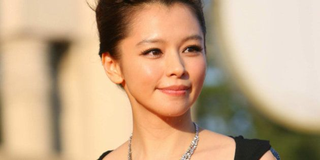 BEIJING - AUGUST 29: (CHINA OUT) Vivian Hsu arrives at the 13th Huabiao Awards held at Beijing Exhibition...