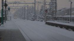 信越本線が大雪で立ち往生 430人が半日以上も電車に閉じ込められる