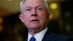 ジェフ・セッションズ氏とは何者か? トランプ氏が司法長官に起用、「KKKに共感する」との発言も