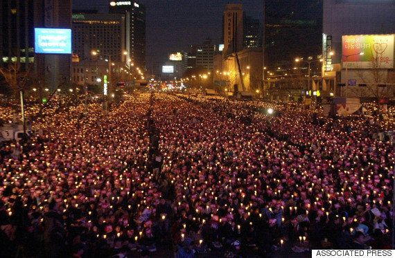 韓国・朴槿恵大統領、弾劾の動き強まる 日中韓首脳会談に出られない可能性も
