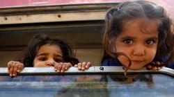 シリアの民主化運動、現実を前に平和主義を捨てた若者たち