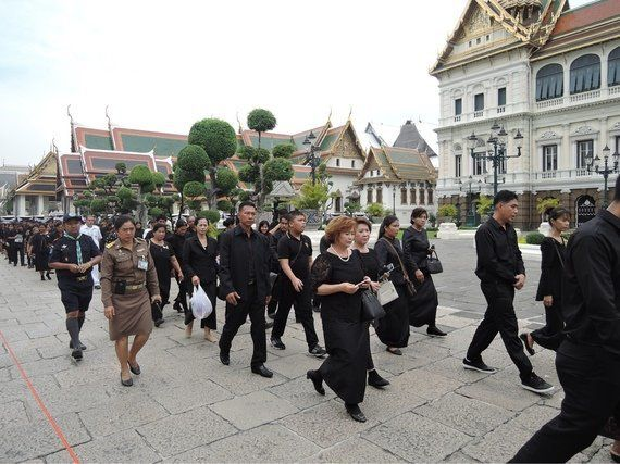 予見不能な未来がもたらすタイの不安/黒ずむ街バンコクを歩いてみた