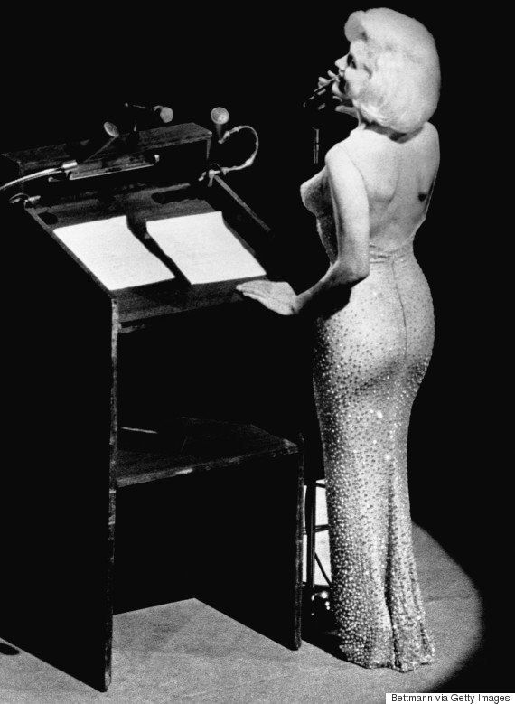 マリリン・モンローがケネディ大統領の誕生日祝いで着たドレス、5億3000万円で落札(画像)